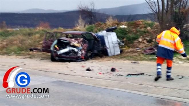 Detalji tragične nesreće kod Gruda: Vozač BMW-a je izgubio kontrolu nad vozilom i silovito udario u Golf-a II...