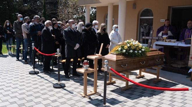 Foto: Hercegovina se oprostila od svog fra Kornelija Kordića