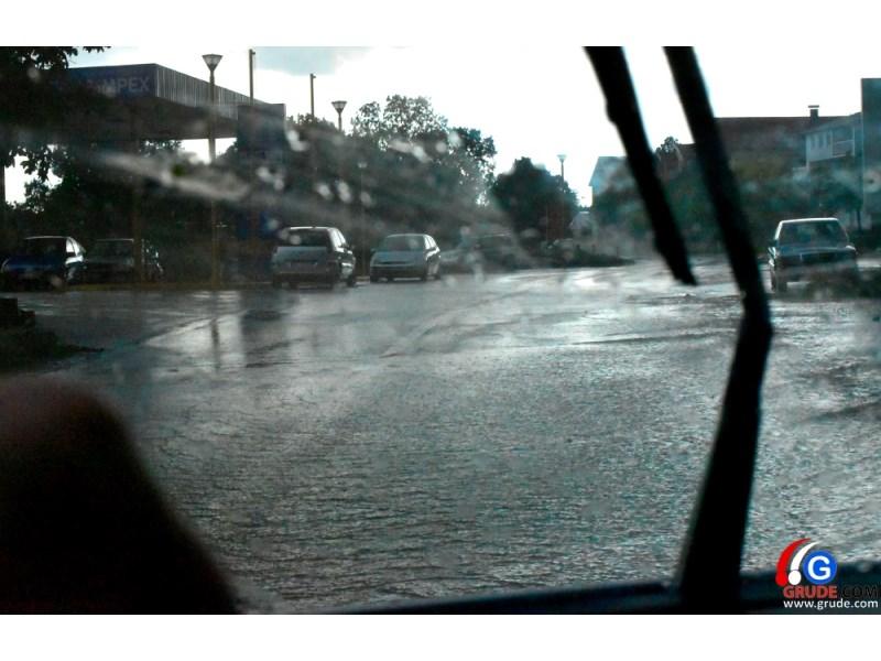 FOTO: Opći potop u Širokom Brijegu! Tuča pogodila Dobrič i Knešpolje